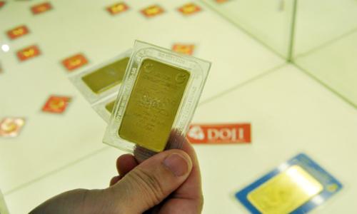 Giá vàng trong nước cao hơn 4 triệu đồng so với thế giớiGiá vàng trong nước cao hơn 4 triệu đồng so với thế giới