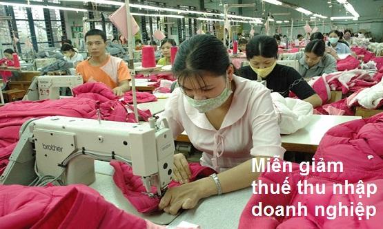 Miễn giảm thuế thu nhập doanh nghiệp tương ứng với số tiền thực chi thêm cho lao động nữ